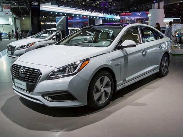 Hyundai Sonata with one of our used Hyundai Sonata Engines